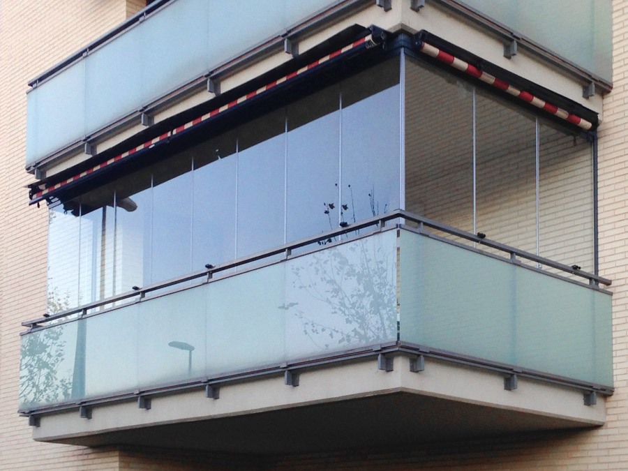 Acristalamientos y cerramientos para terrazas y porches for Cerramientos de balcones