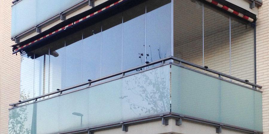 Cortinas de cristal a precios asequibles acuglass zaragoza for Cortinas de cristal para terrazas