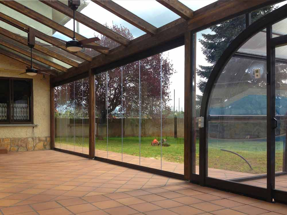 Cerramientos de terraza y cubiertas para piscinas en for Cerramiento aluminio terraza
